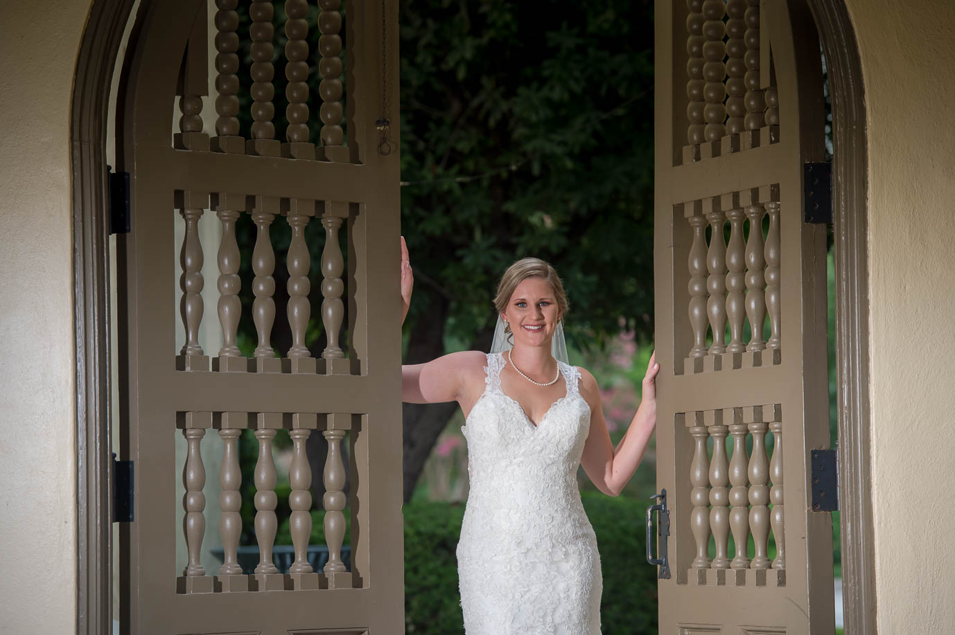 san antonio bridal portraits landa library san antonio wedding photographers _4S15856