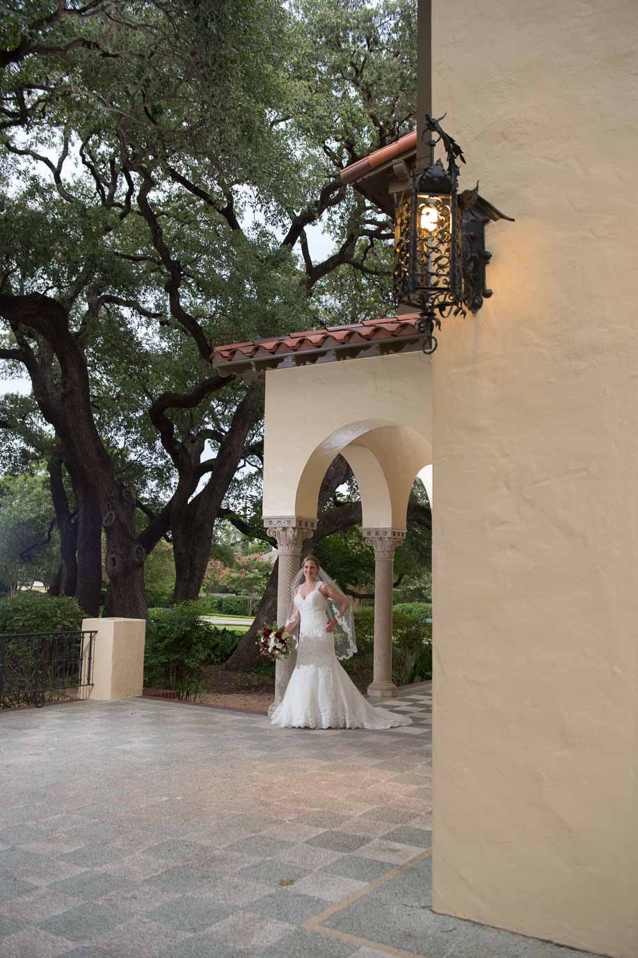 san antonio bridal portraits landa library san antonio wedding photographers _4S21688