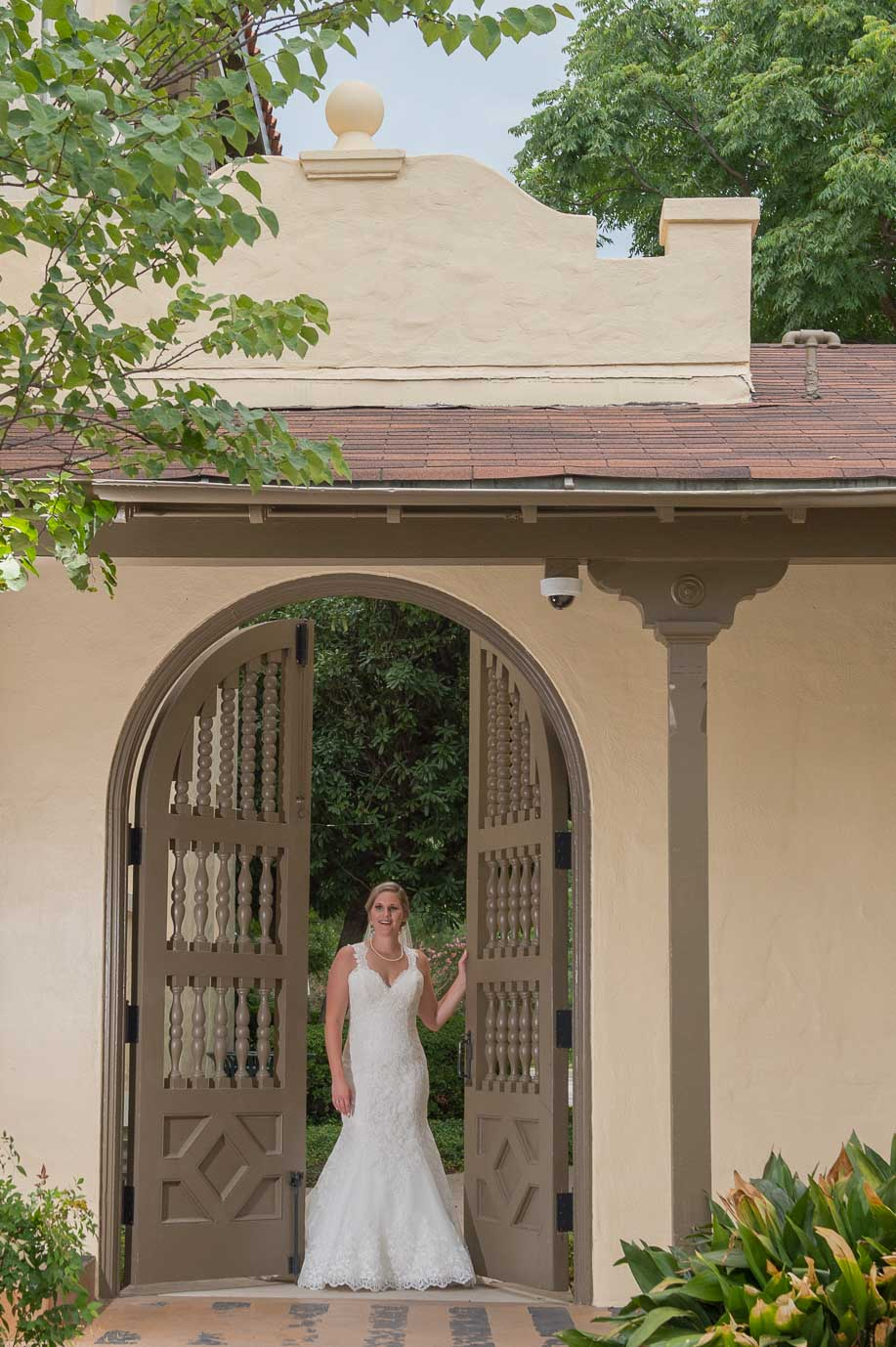 san antonio bridal portraits landa library san antonio wedding photographers _4S21698