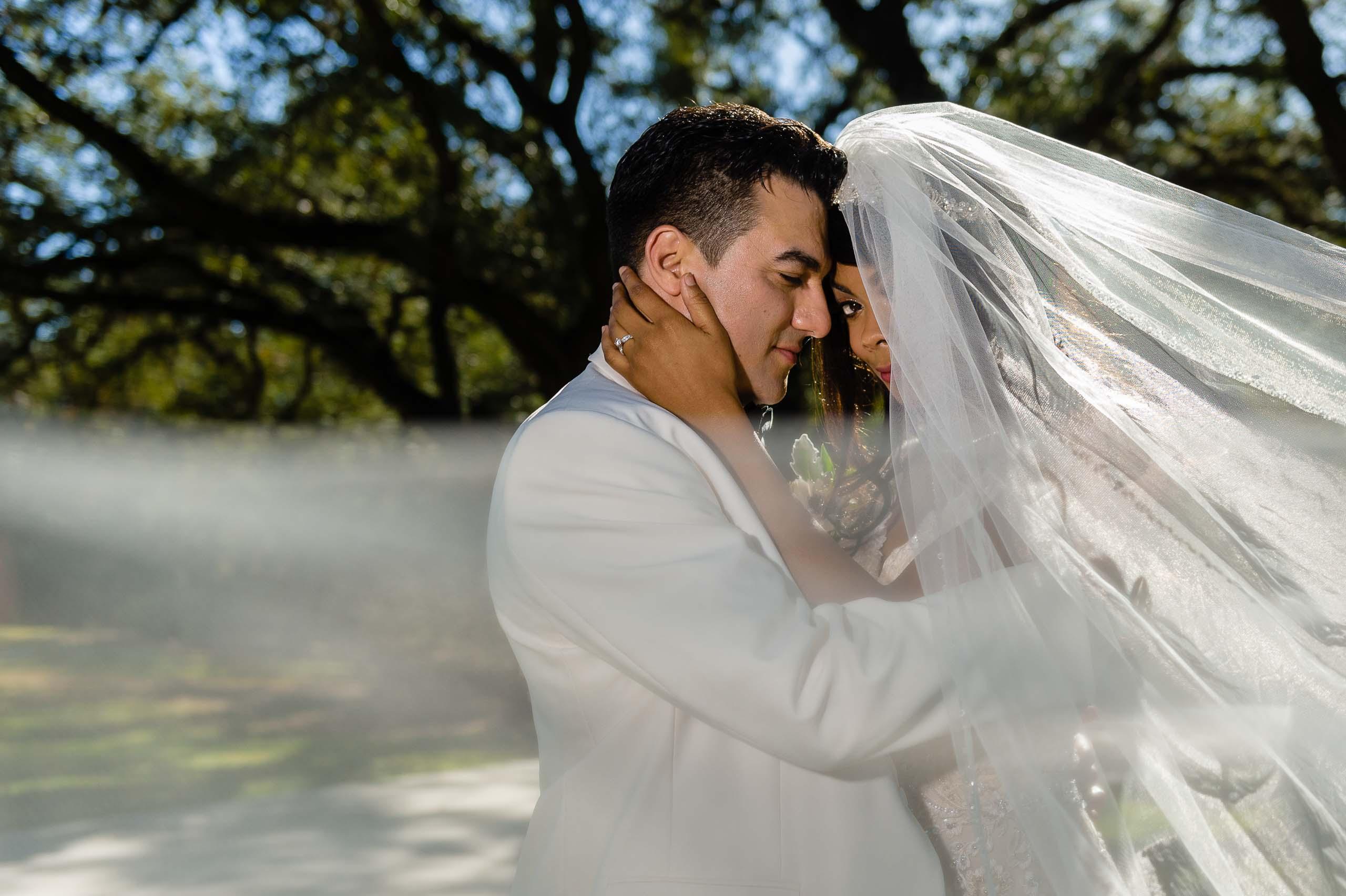 chandelier-of-gruene-winter-wedding-inspiration-_4S27880