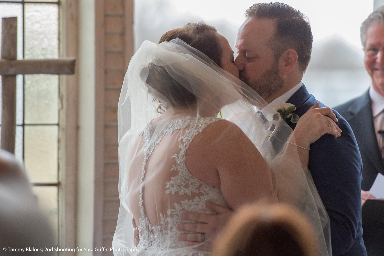 gruene estate wedding in new braunfels texas hill country wedding by san antonio wedding photographers _4S10054
