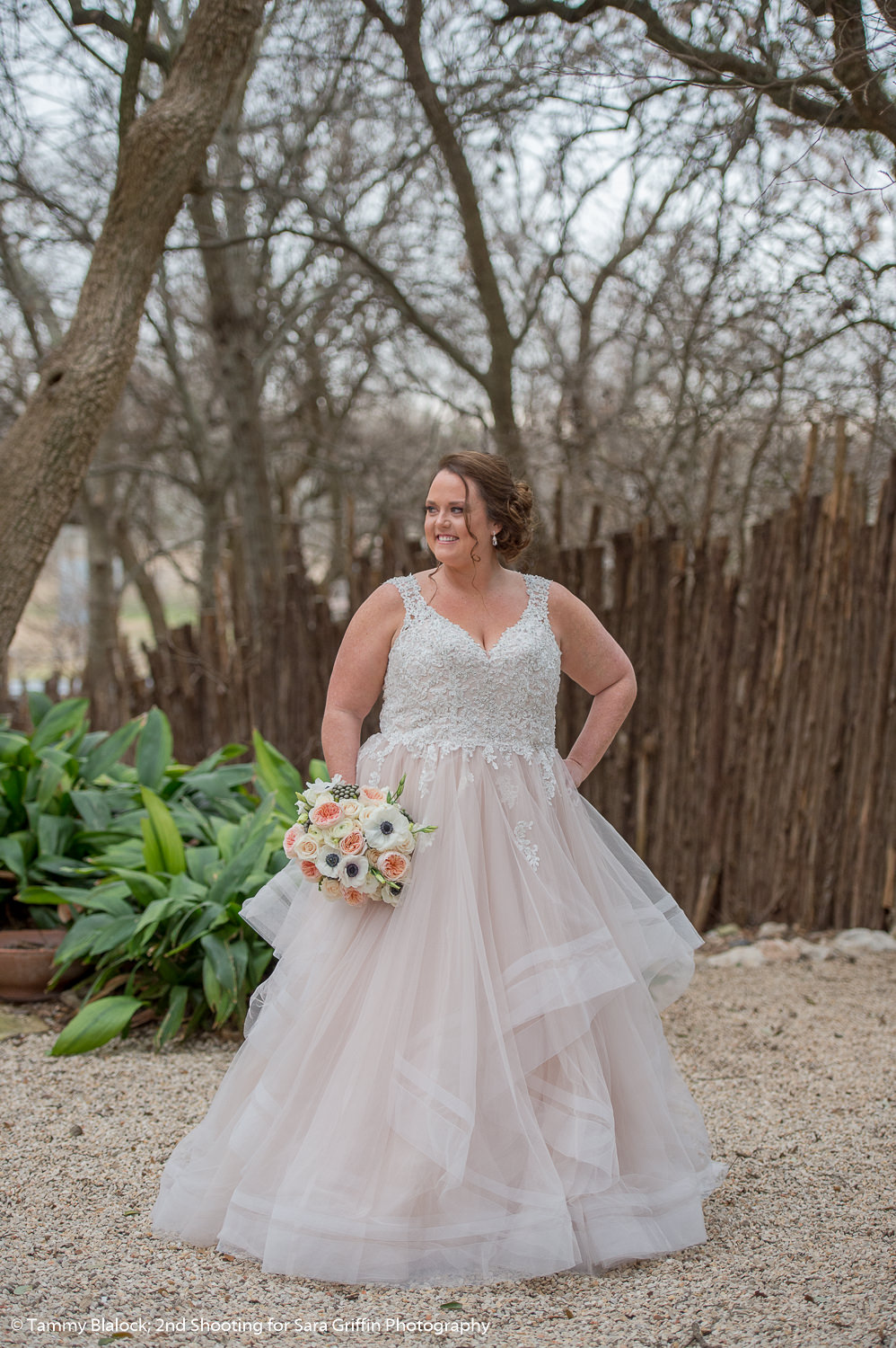 gruene estate wedding in new braunfels texas hill country wedding by san antonio wedding photographers _4S19880