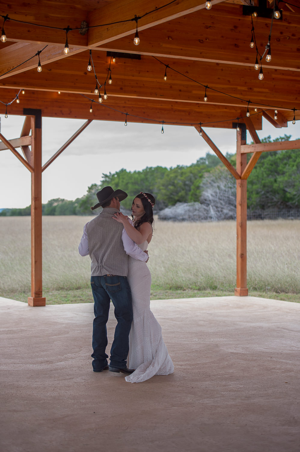 firefly-farm-hill-country-wedding-wimberley-texas-_4S10835-Edit