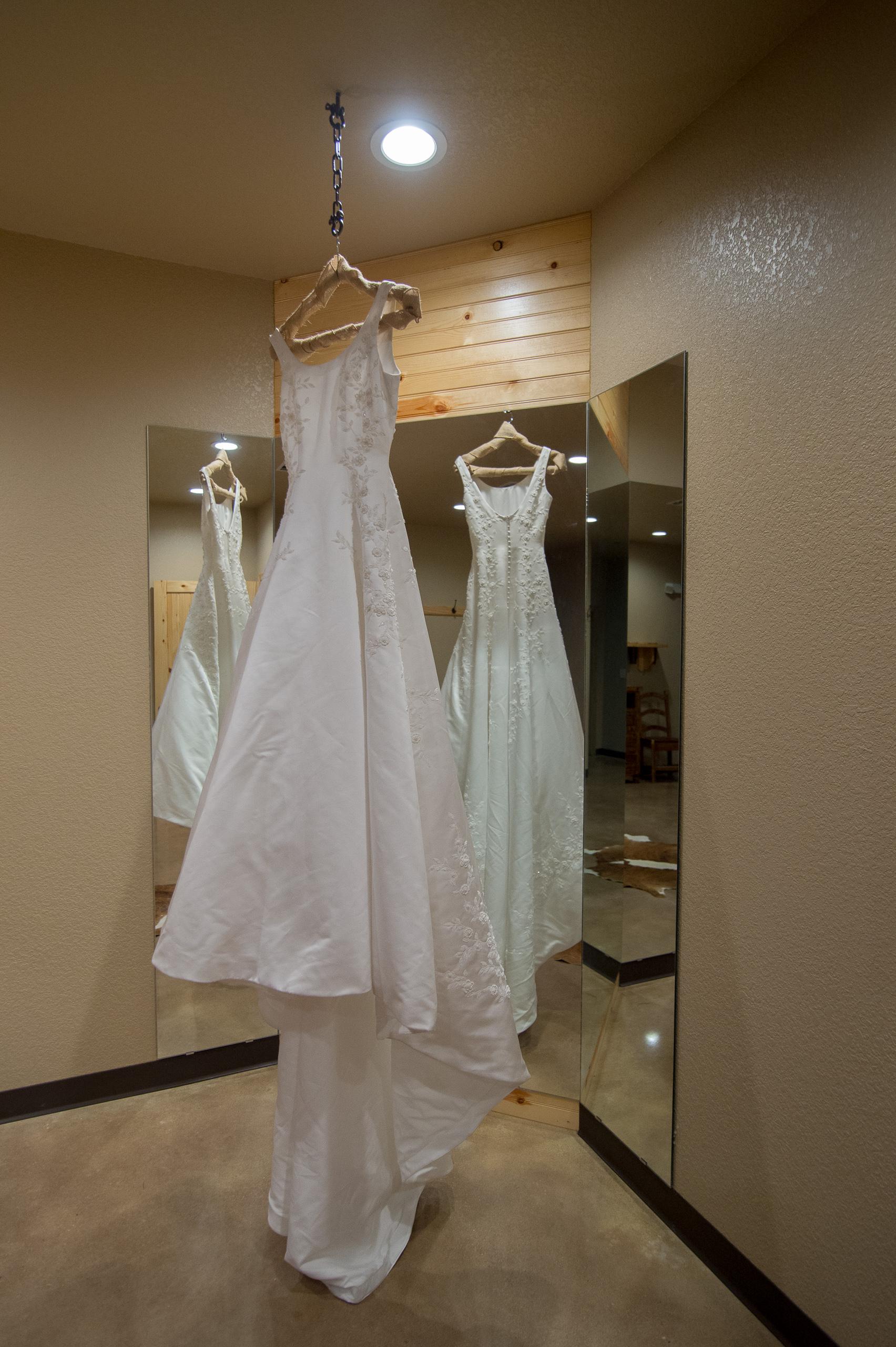 Gruene-wedding-venue-hill-country-destination-wedding-old-mill-resort-_D420481